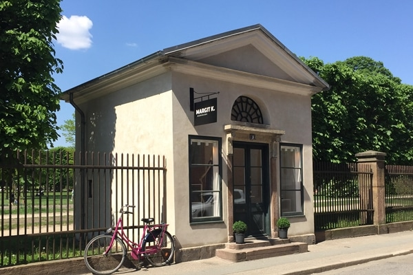Pavillon, Margit K