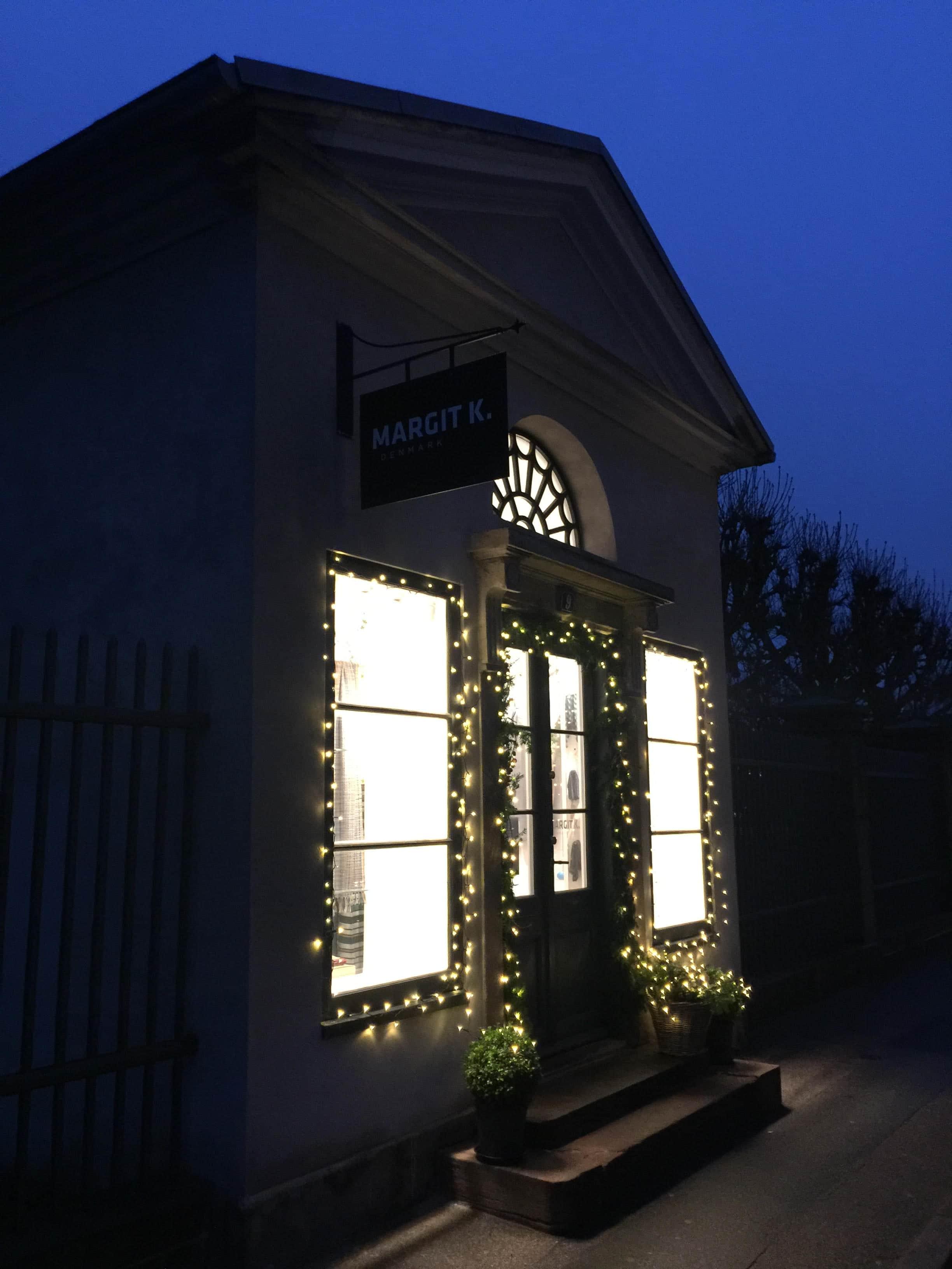 Pavillon med julelys Kronprinsessegade 9